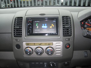 Nissan Navara double din
