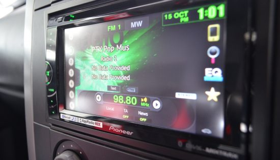 LR Discovery 3 – Radio & Camera